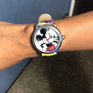 Mickey mouse watch, needs battery